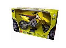 Suzuki RM-Z 450 (2014) Plastic Model Motorcycle 49473