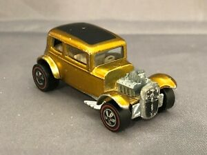 Hot Wheels Redline 1969 US Gold CLASSIC '32 FORD VICKY White Interior Excellent