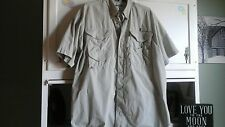 Columbia PFG Men's L Beige Button Down Shirt Short Sleeve Multi-Pocket VENTED
