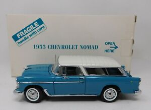 1/24 Danbury Mint 1955 Chevrolet Nomad blue and white