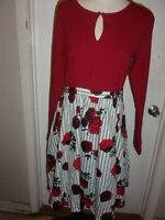 MODCLOTH Floral Rose Print Fit and Flare Long Sleeve Keyhole Dress Size M (B90)