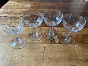 Stunning set of 4 Cocktail/Champagne Glasses