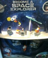 Peanuts Snoopy Space Explorer  2019 UK Mcdonalds Toy Figures & Books Happy Meal