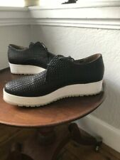 JOHNSON WOMEN'S  BLACK LEATHER WOVEN LACE UP SHOES WITH WHITE SOLES USED SIZE 6