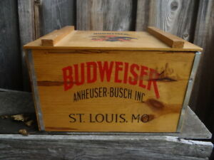 BUDWEISER BEER WOODEN CRATE COOLER EXCELLENT CONDITION