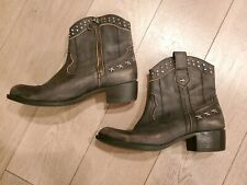 GUESS Ankle Boots Western Distressed Leather Taupe Studs, Stars Zip Boho Sz 8