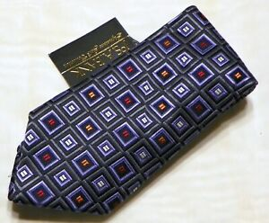 NEW JOS.A.BANK [ SIGNATURE GOLD ] men's tie 100% Silk Made in China