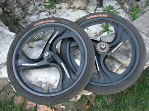 """Mongoose Wheel Set, 3 Spoke Mag Wheels With Tires, Fits 20"""" Tire, 3/8"""" Axle"""