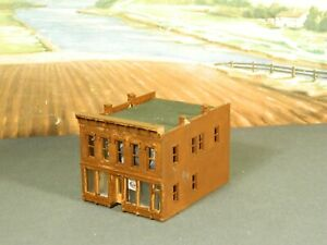 N Scale BUILT Model Building OLD TIME 2-STORY DOWNTOWN CITY STOREFRONT Brick Red