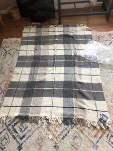 """NWT Icewear Iceland Pure Wool Grey Plaid Blanket 51""""x74"""""""