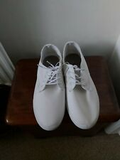 Mens white  Canvas Lace Up Casual Shoes/  Trainers/ Plimsoles. Size 8 New