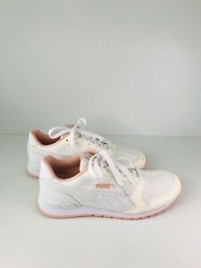 Puma Women's White Soft Foam Runners / Sneakers - Size US 6.5