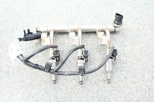 Ford Kraftstoffverteiler mit Einspritzdüsen 0261555137
