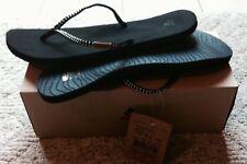 NEW WMNS Size 11 M REEF BLACK FLIP FLOPS Sandals Slim Ginger Stud Thong $59 Box