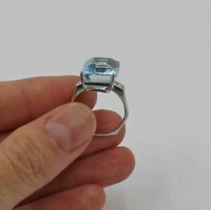 14K White Gold Aquamarine Cocktail Ring Diamonds