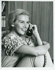 KATHY NOLAN CUTE SMILING ON THE PHONE THE REAL MCCOYS ORIGINAL 1962 ABC TV PHOTO