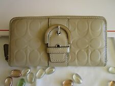 Coach Wallet Beige Tan Bisque Clay Leather Embossed Full Zip SV A+