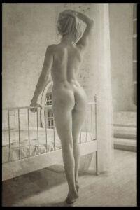 Risqe Pinup Girl Sexy Woman vintage Rare Antique Retro Photo 4x6 A