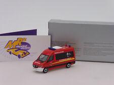 """Herpa 939720 # Mercedes Benz Sprinter Einsatzfahrzeug """" Feuerwehr Hameln """" 1:87"""