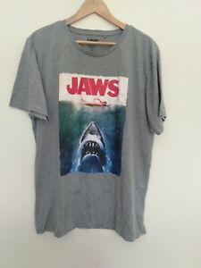 Universal Studios JAWS Movie Graphic Grey T-shirt Vintage Size 2XL