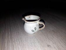 Ton Milch Krug Puppen Zubehör Puppenstube Haus Küche alt Handarbeit ? 3,5 cm