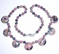 Handgefertigte Halsketten und Anhänger im Collier-Stil mit echten Edelsteinen