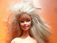 1999 - BARBIE MATTEL - Indonésie - NUE - Blonde - 2 PHOTOS - (87)