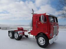 DCP 1/64 SCALE WHITE FREIGHTLINER CABOVER RED WITH RED FRAME