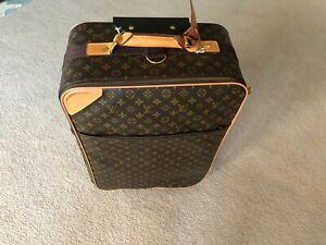 Louis Vuitton authentic suitcase missing rolling bag handle Pegase 55