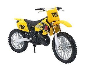Suzuki RM 250 1:18 Kids Boy Diecast Dirt Motocross Motorbike Motorcycle Toy Bike