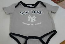 """MLB New York Yankees """"Rookie of the Year"""" Majestic Kids 6/9 Months One Piece"""