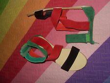 SANDALIAS BOTINES ROMANAS rojo negro verde JENIKA sintetica con goma tobillo