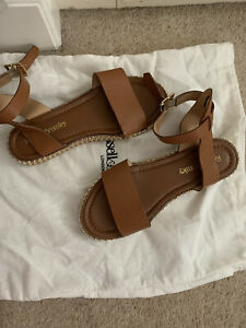 russell and bromley sandals size 5