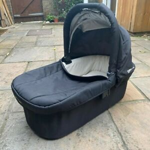 UPPAbaby Cruz Carrycot Bassinet   Black   Clean Good Condition w/Spare Liner