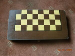 GOOD-MODERN WOODEN CHESS SET+BACKGAMMON+- BOXED--UNUSED