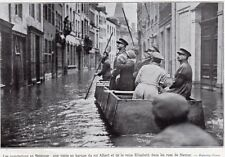 NAMUR INONDATION ROI ALBERT REINE ELISABETH EN BARQUE FLOOD IMAGE 1926 PRINT