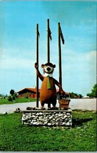 Plymouth, IN Postcard - Yogi Bear Statue, Jellystone Park - Unposted