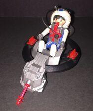 Playmobil 3083 Astronaut Space Pod Hovercraft W/Astronaut Figure  Free Shipping