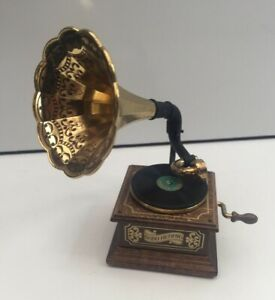 COLLECTORS BODO HENNIG FAMOUS WORKING GRAMOPHONE MUSIC  DOLLS HOUSE DOLLHOUSE