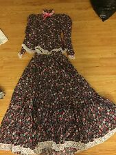MEXICAN FLORAL MAGENTA 2 PIECE OUTFIT DRESS with WIDE LACE TRIM & FULL SKIRT
