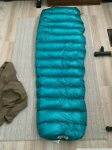 Western Mountaineering Mitylite sleeping bag. Pre-owned. Great condition!