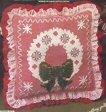 """Vogart Crafts Christmas Pillow Net Darning Kit Wreath Pillow 2942 14x14"""""""