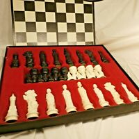 Vintage 1959 Complete Renaissance Chessmen by E.S. Lowe Chess Board Game in Box