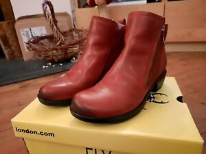 Fly London Women/'s Meli Rug Oil Suede Chelsea Boots Red Size UK 3