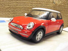 Cararama 171BND BMW Mini Cooper 3 Door Rojo Blanco Techo -1/72 Escala
