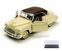 DIECAST CAR & DISPLAY CASE 1950 CHEVY BEL AIR W/ROOF MOTORMAX 73268 1/24