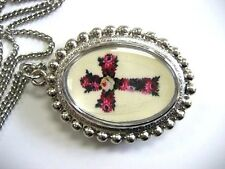 POCKET WATCH PENDANT NECKLACE W FLOWER CROSS DESIGN EASY TO READ WHITE DIAL