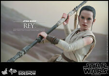 STAR WARS VII: THE FORCE AWAKENS~REY~SIXTH SCALE FIGURE~HOT TOYS~MIB