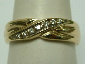 LADIES SOLID 9CT YELLOW GOLD BAND STYLE RING WITH DIAMONDS
