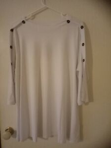 TS/Virtuelle White Boatneck Top - NWT